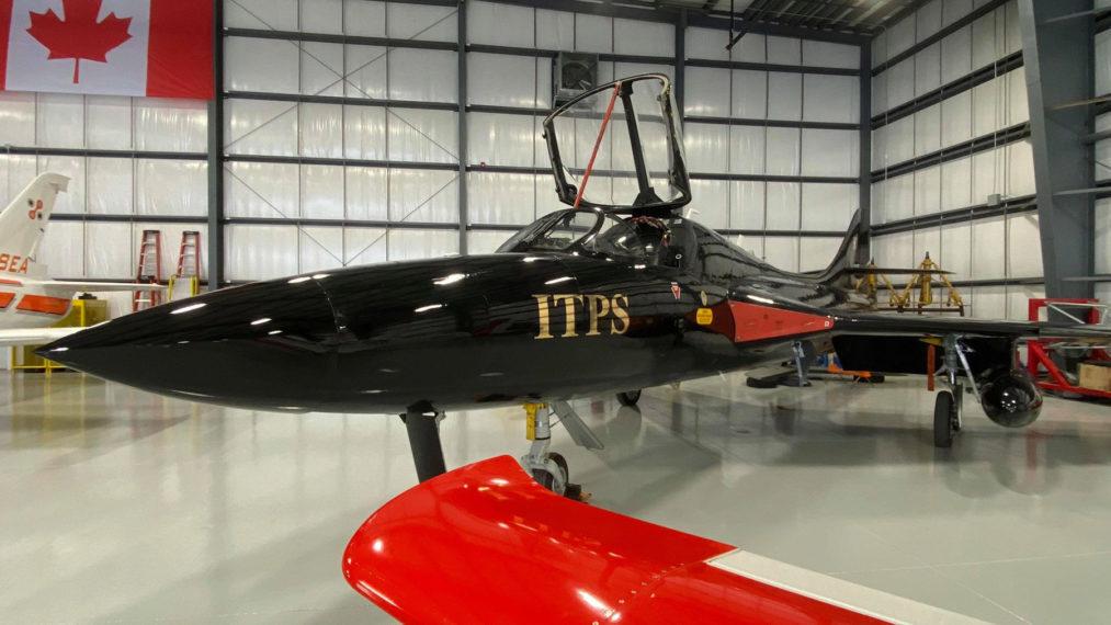 Black Hunter Hawker T-55 at ITPS hangar